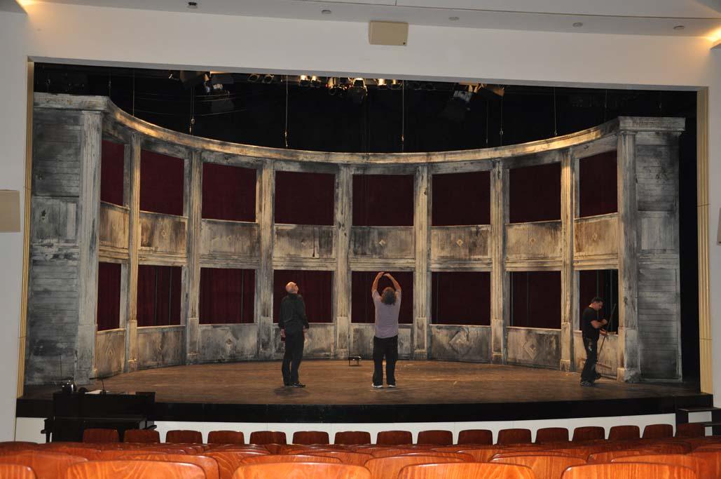 Shakespeares sämtliche Werke Bühnenbild; Foto: Stefanie Symmank