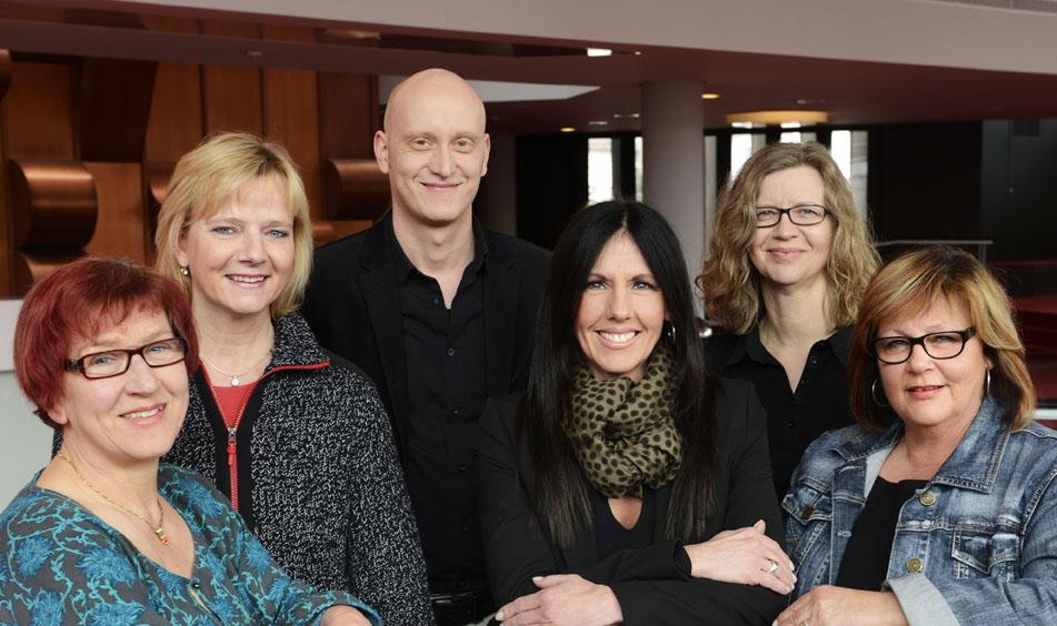 Annemarie Lutz-Friederich, Antje Meyer, Stephan Welzel, Sandra Capra, Sibylle Hoffer, Karin Unkauf. (Claudia Horn-Gläßel war zum Zeitpunkt des Fotos noch nicht dabei.) Foto: Fotostudio m42